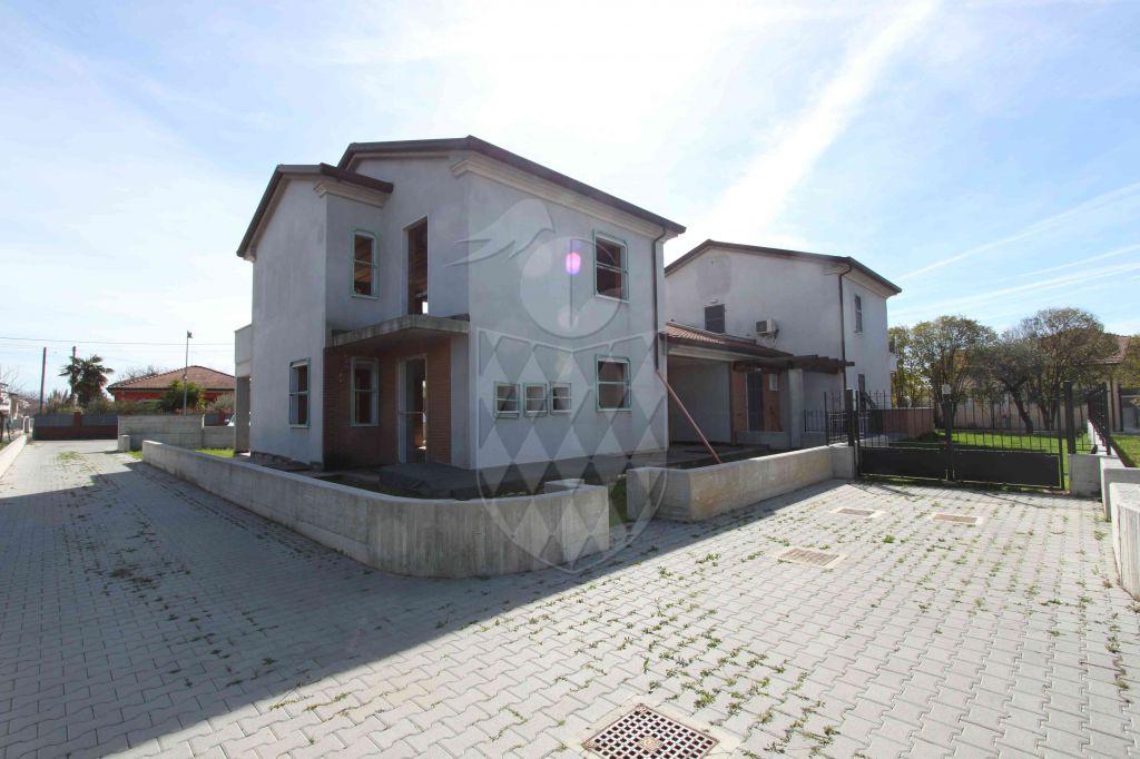 casa semi indipendente vendita ortonovo