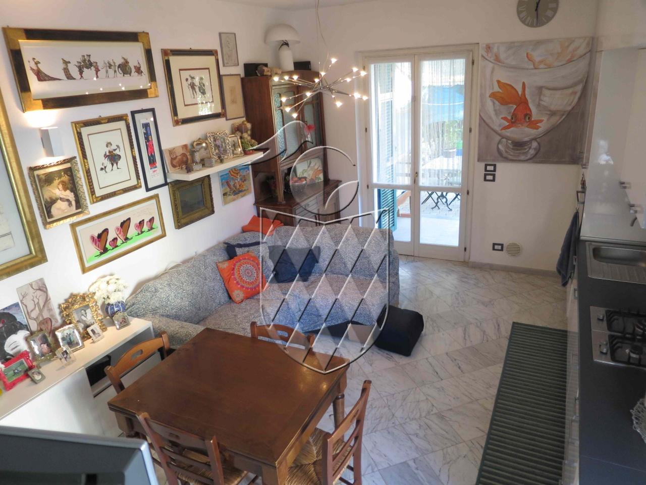 casa indipendente vendita sarzana